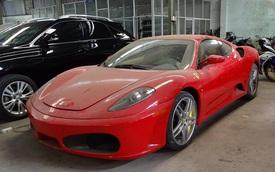 """Xót xa """"siêu ngựa"""" Ferrari F430 đóng bụi dày đặc tại Sài thành"""