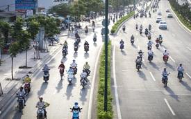 Hàng nghìn xe máy lấn hết làn đường ô tô trên đại lộ Phạm Văn Đồng ở Sài Gòn