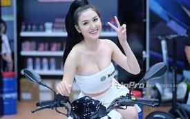 Ngẩn ngơ trước dàn chân dài tại triển lãm xe máy Việt Nam 2016