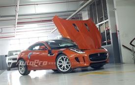 Jaguar F-Type S màu cam nổi bần bật mới về Việt Nam