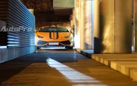 """Khám phá """"đồ chơi"""" của 2 chiếc Lamborghini Huracan độ tại Việt Nam"""