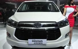 "Toyota Innova Crysta ""bán chạy như tôm tươi"", soán ngôi Suzuki Ertiga"