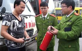 CSGT được dừng xe xử lý ôtô không lắp bình cứu hỏa