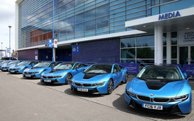 Dàn sao Leicester City khổ vì đống siêu xe BMW i8