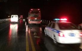 Yên Bái: Xe khách giường nằm va chạm xe bồn, 3 người thương vong