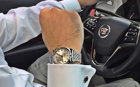 Ngắm nhìn đồng hồ siêu sang diện cùng siêu xe của đại gia