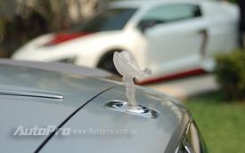 Rolls-Royce đầu tiên tại Việt Nam trang bị logo Spirit of Ecstasy trong suốt