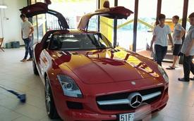 Mercedes-Benz SLS AMG chính hãng thứ 2 tại Việt Nam ra biển số trắng