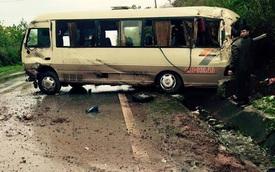 Xe khách lao vào vách núi tại Quảng Ninh, 6 người bị thương