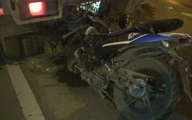 Chạy vào làn xe ô tô tông xe quét đường, 2 người tử vong
