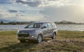 Toyota Innova mới vẫn đắt khách trong tháng Ngâu