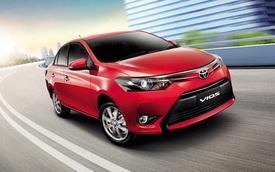 """Nhu cầu mua xe chơi Tết giúp Toyota Vios và Camry """"bán chạy như tôm tươi"""""""