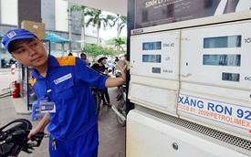 Giá xăng sắp tăng 300 đồng?