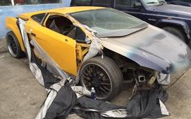 """Xót xa hình ảnh Lamborghini Gallardo bị """"mổ xẻ"""" tại Hà Nội"""
