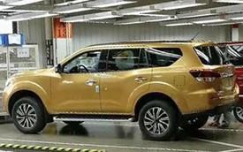 """SUV 7 chỗ Nissan Paladin 2018 - """"khắc tinh"""" của Toyota Fortuner - lộ diện trong nhà máy"""