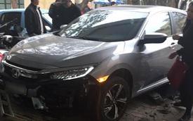 Chiếc Honda Civic 2016 đầu tiên bị tai nạn tại Việt Nam
