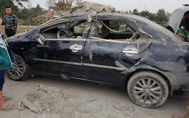 """Hưng Yên: Ô tô tải chở vật liệu xây dựng lật ngang, Honda Civic và Toyota Vios bị """"vạ lây"""""""