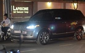 Vợ chồng Hà Tăng đến dự tiệc cưới Hoa hậu Thu Thảo trên Range Rover Autobiography 8 tỷ Đồng