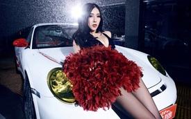 """Porsche 911 GT3 RS """"oằn mình"""" bên cô nàng ngực nở, eo thon"""