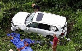 """Điện Biên: """"Chuyên cơ mặt đất"""" Lexus LX570 rơi xuống vực, 3 người thoát chết"""