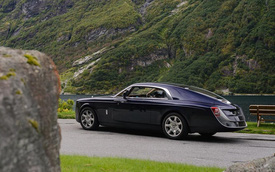 """""""Phát thèm"""" với bộ sưu tập siêu xe """"khủng"""" của đại gia bí ẩn đặt mua Rolls-Royce Sweptail 13 triệu USD"""