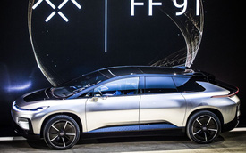 Chiêm ngưỡng mẫu xe tăng tốc nhanh nhất thế giới ngoài đời thực