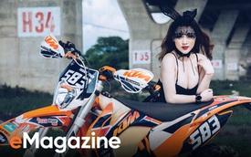 """Cô nàng Thỏ Bunny siêu quyến rũ bên """"Cào cào"""" KTM 250 EXC"""