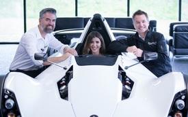 Người phụ nữ đầu tiên trên thế giới sở hữu siêu xe BAC Mono