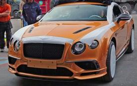 Xem Bentley Continental Supersports 2017 được vận chuyển vào trong triển lãm Geneva
