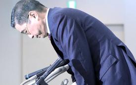 Lãnh đạo Nissan cúi đầu xin lỗi vì để người thiếu chuyên môn kiểm tra chất lượng xe khiến 1,2 triệu ô tô bị triệu hồi