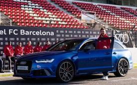 Lionel Messi và các đồng đội tại Barcelona được tặng xe Audi