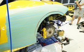 "Xem thợ Nhật Bản ""xẻ thịt"" Ferrari 458 Italia để độ Liberty Walk"