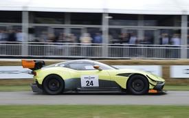 """Nghe thử """"tiếng thở"""" của siêu xe dành cho đường đua Aston Martin Vulcan AMR Pro"""