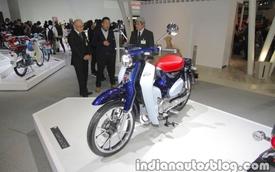 Diện kiến một Honda Super Cub hiện đại hơn với động cơ 125 phân khối và có hệ thống ABS