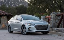 Hyundai Elantra 2018 ra mắt với trang bị tốt hơn