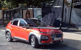 Crossover cỡ nhỏ Hyundai Kona 2018 bất ngờ xuất hiện trên đường phố