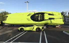 """Cặp đôi Lamborghini Aventador SV Roadster và xuồng cao tốc """"tông xuyệt tông"""" trị giá 50 tỷ Đồng"""