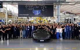 Chiếc siêu xe Lamborghini Huracan thứ 8.000 xuất xưởng