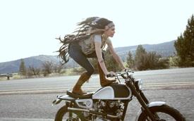 """Khi các nữ biker """"nổi loạn"""" trên đường"""