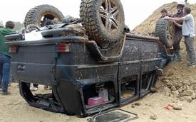 """""""Vua địa hình"""" Mercedes-Benz G-Class lật ngửa trong sự kiện off-road"""
