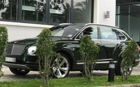 SUV siêu sang Bentley Bentayga màu độc nhất Việt Nam của thiếu gia 9X Sài thành ra biển trắng