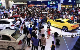 Ô tô giảm giá trăm triệu: Vợ ưng, con thích chốt luôn xe 1 tỷ