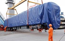 Đầu máy toa xe đường sắt Cát Linh - Hà Đông về tới Hải Phòng