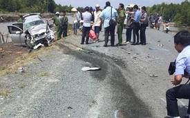 Hai ô tô đối đầu, 12 người thương vong