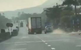 Hà Tĩnh: Tài xế xe đầu kéo lạng lách, ép xe CSGT suốt 20 km