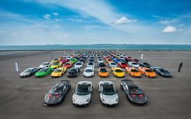 122 xe Lamborghini xuống phố chào đón sự xuất hiện của Urus tại Singapore