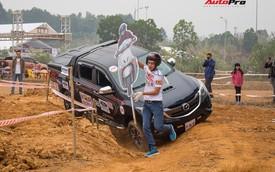 """""""Ninja"""" ngáng đường dàn bán tải tranh tài tại Hà Nội"""