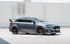 Thợ độ bê nguyên động cơ EcoBoost hiệu suất cao lên Ford Focus sedan