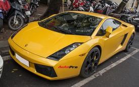 """""""Bò già"""" Lamborghini Gallardo 13 năm tuổi mất sạch logo xuất hiện tại Hà Nội"""