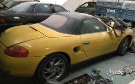 Cư dân mạng xót xa với chiếc Porsche Boxster 986 phủ bụi dày đặc tại Sài thành